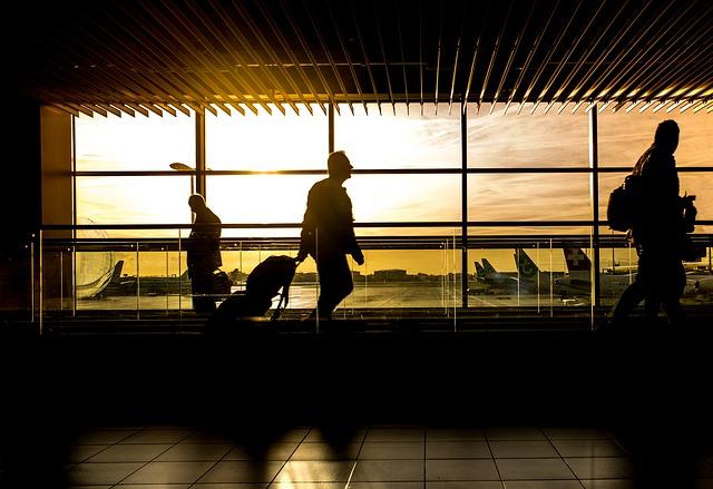 летище и залез- показва идеята за часова разлика