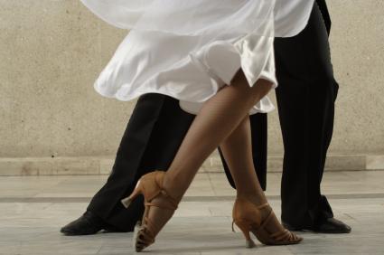 танците